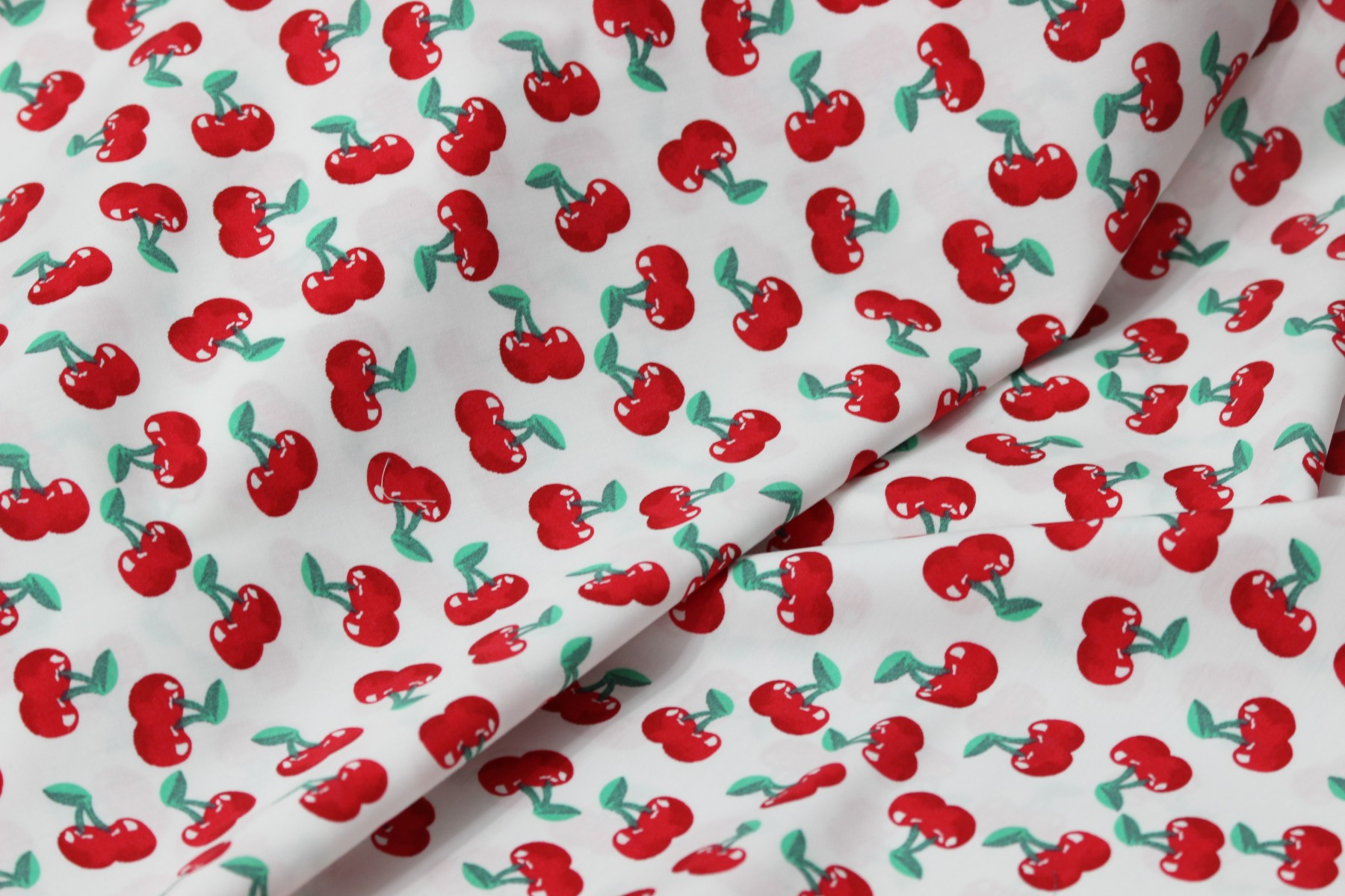 Poplin bumbac – Sweet cherries on white